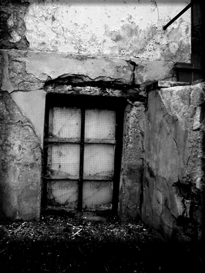 Old House's Window (positiv)